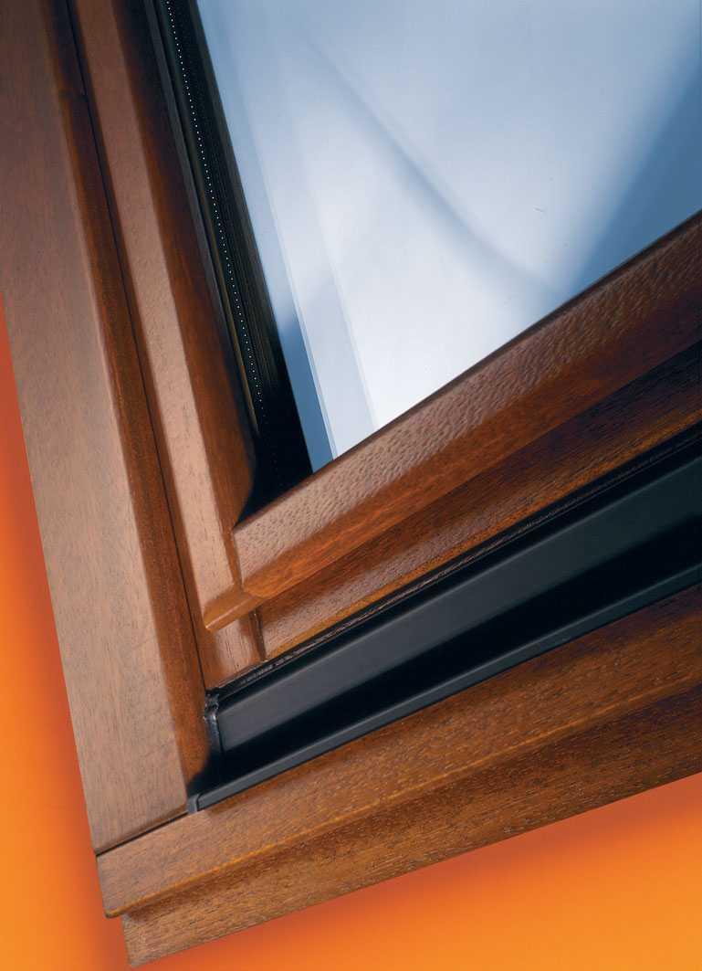 Изысканные окна меранти по выгодной цене