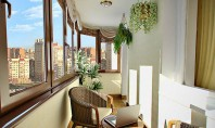 derevyannoe-osteklenie-balkonov