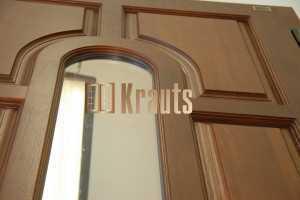 Эффективная входная дверь из дерева